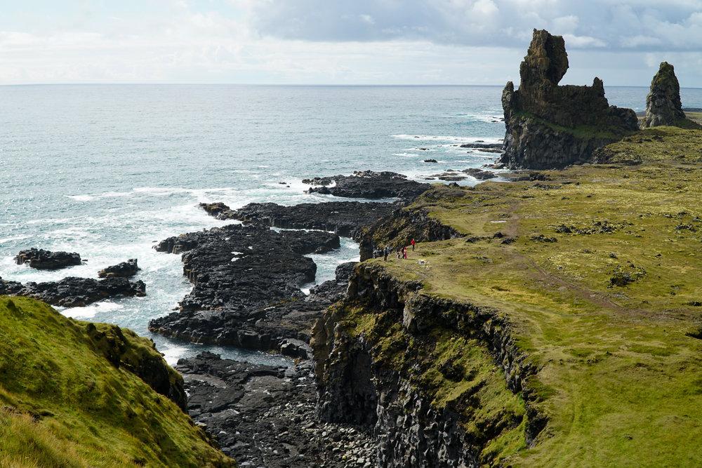 Lóndrangar Rock Pinncales Snaefellsjoekull.jpg