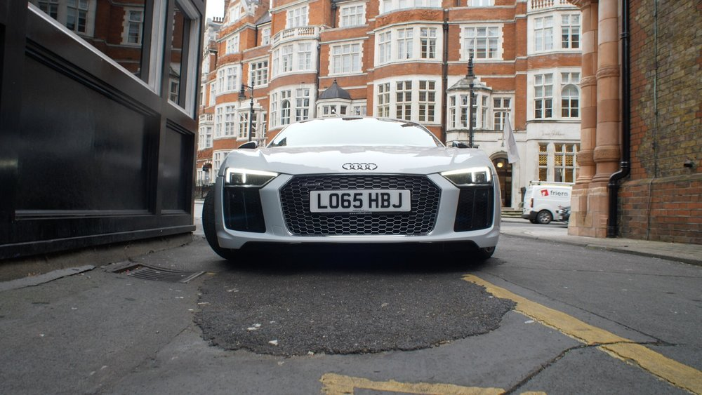 R8 V10 plus front grill.jpg