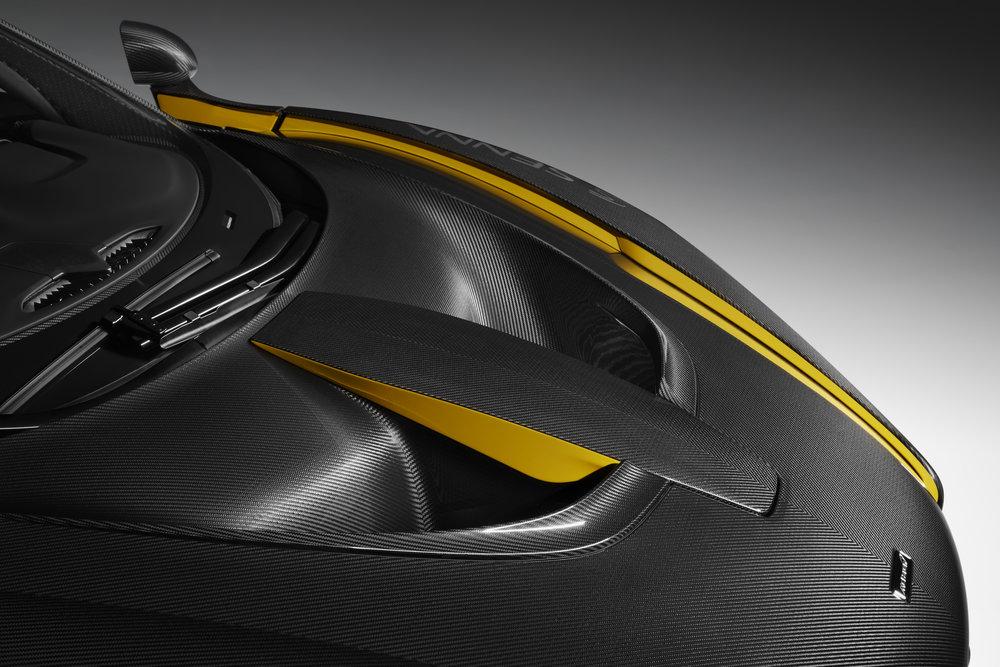 8954McLaren-Senna-Carbon-Theme-by-MSO_04.jpg