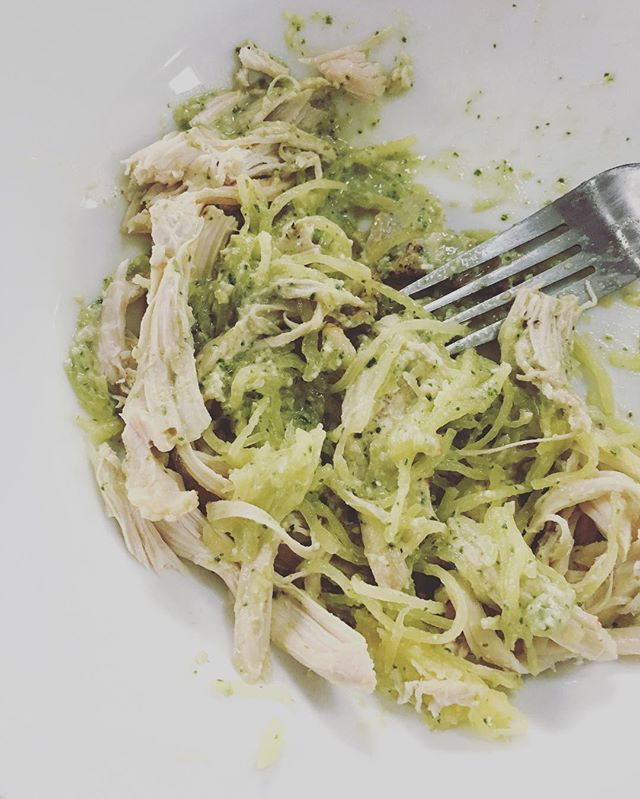 Super easy, healthy, satisfying (and half-eaten) dinner tonight. Followed a recipe from @whole30recipes to make a surprisingly easy pesto alfredo: basil, lemon, garlic, pine nuts, nutritional yeast, olive oil and coconut milk. Threw it in a food processor, popped a spaghetti squash in the instant pot for 7 minutes, threw on rotisserie chicken, and there you have it! ** #paleo #whole30 #easydinner #foragewithsarah #carltonlanding