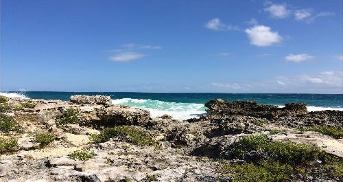 Isla Mujeres carribean rocks.png