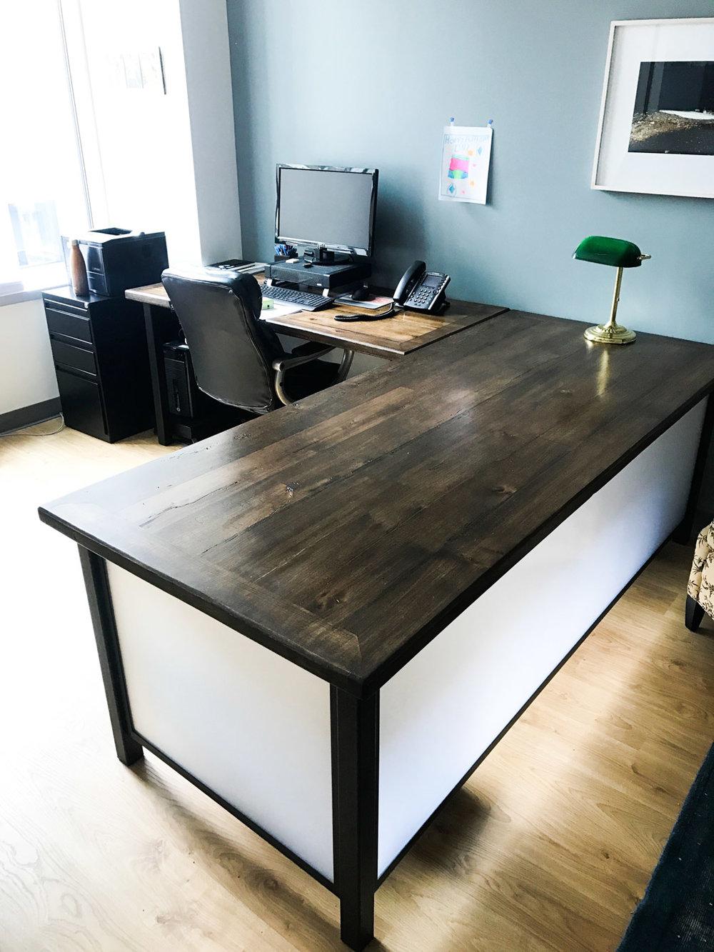 BeReclaimed - Reclaimed Wood Table - Barnbeam Elm - Downtown Toronto.jpg
