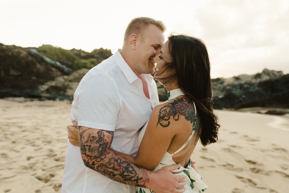 couples_photographer_maui_kapalua-5.jpg