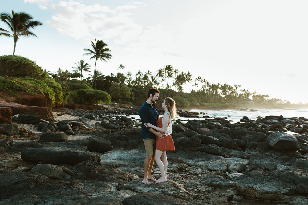couples_engagement_photos_maui_beach_paia-1.jpg