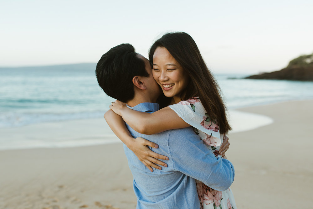 couples_engagement_photos_wailea_maui-2.jpg