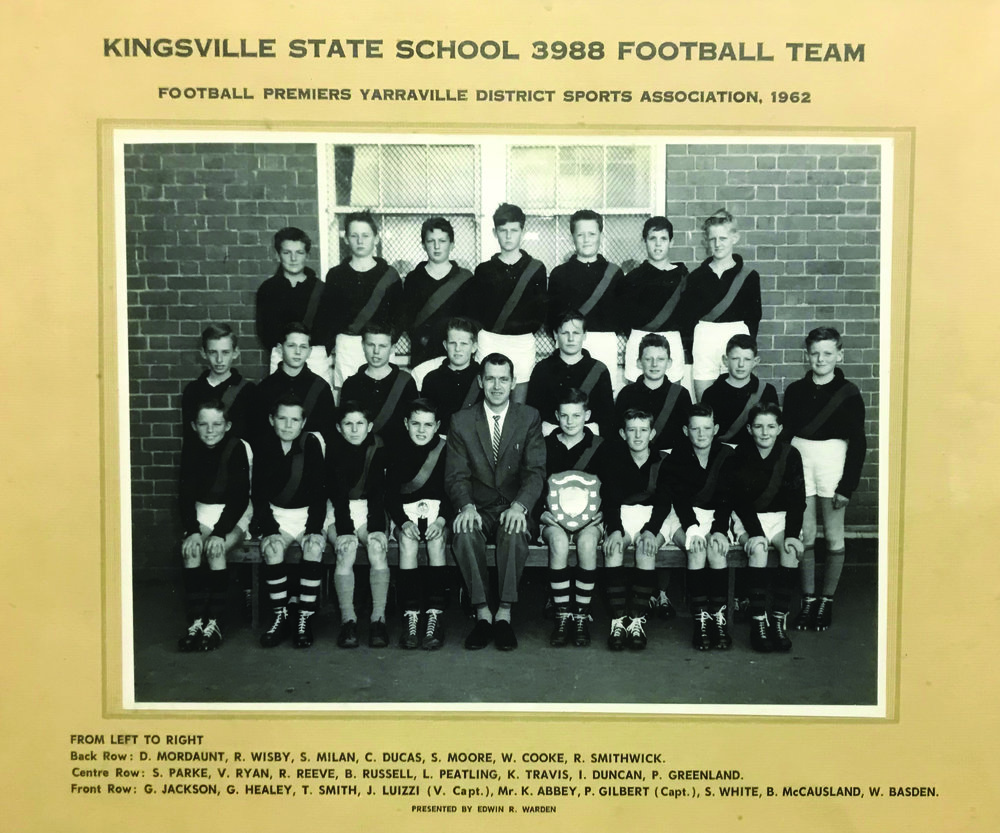 FootballTeam_1962.jpg