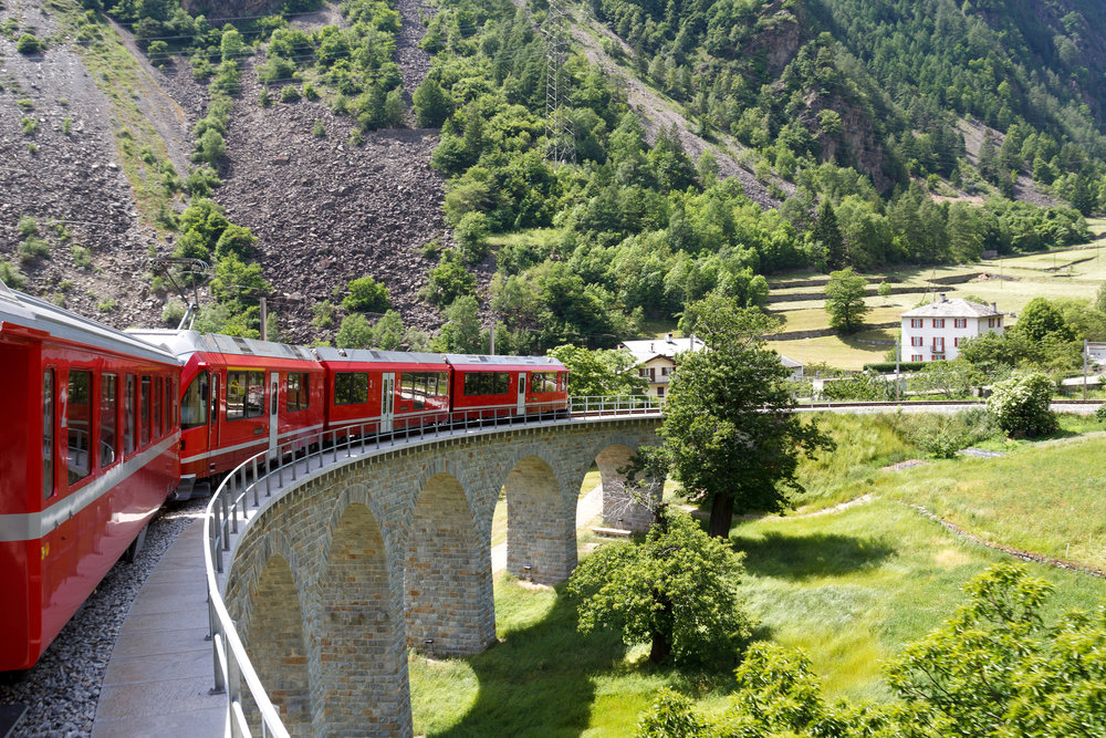 Trein_Oostenrijk_Zwitserland_Groen_Rood.jpg