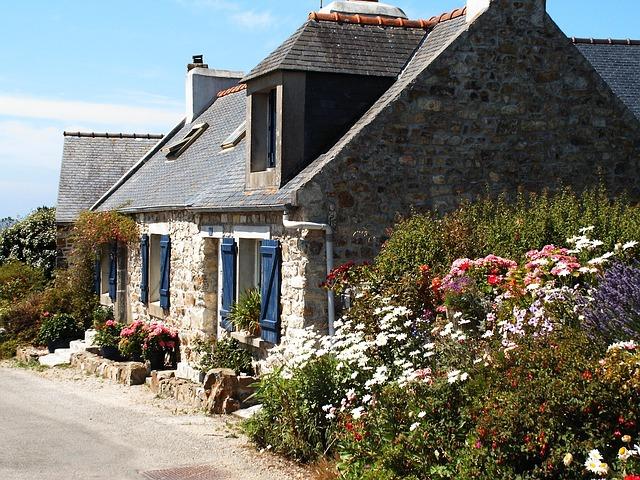 cottage-535753_640.jpg