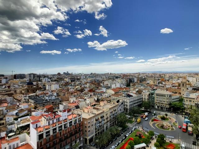 giuseppe-buccola-uitzicht Catedral de Valencia, viazoe.jpg