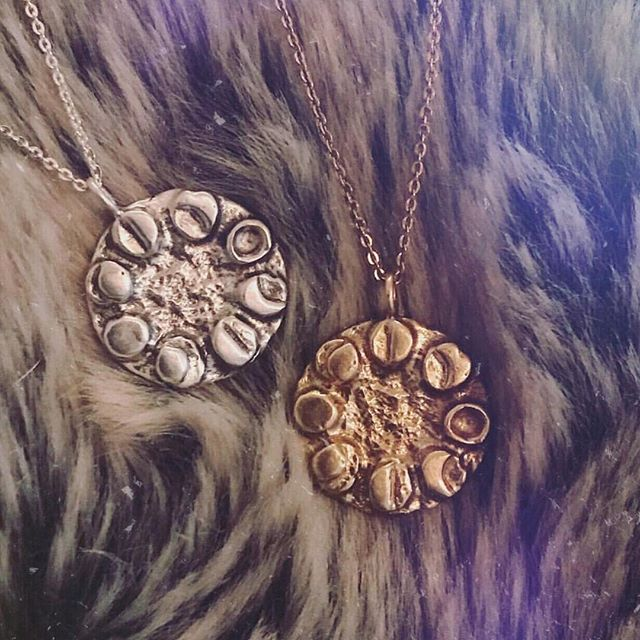1 DAY TO GO! 🎉🎉🎉 For your chance to win a Sterling Silver Moon Dial necklace, follow the two-step instructions below. . How to enter: 1. Follow my account  2. Like this post and tag two friends (or more if you fancy it 😘) in the comments below  EASY!! 🙌🏼 . COMPETITION CLOSES 16TH FEBRUARY, and I'll announce the winner at 9pm (GMT) 17th 🖤 This is open to all, wherever you are in the world. Good luck everyone 🤞🏼🎉 . . #jewellery#jewelry #instajewellery #instaart #instadaily #smallbusiness #moonchild #wildchild #love #witch #beautiful #igers #instamood #instagood #wildbydescent #moon #fashion #fashionblogger #girlboss #handmade #art #handmadejewellery #etsy #style #instastyle #etsyseller #smallbusiness #giveaway #competition #giveaways #win