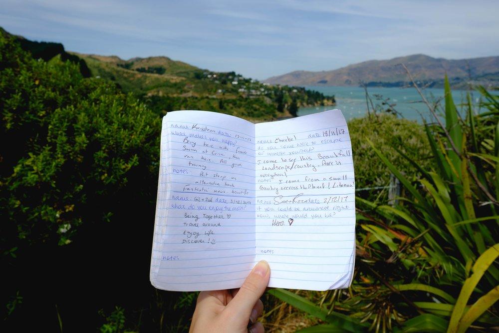fr_  Carnet des curieux de Pony Point, ceux qui le trouvent peuvent y laisser une trace de leur passage.  en_ Little notebook on Pony Point where people can let a trace, a feeling, some kind words...