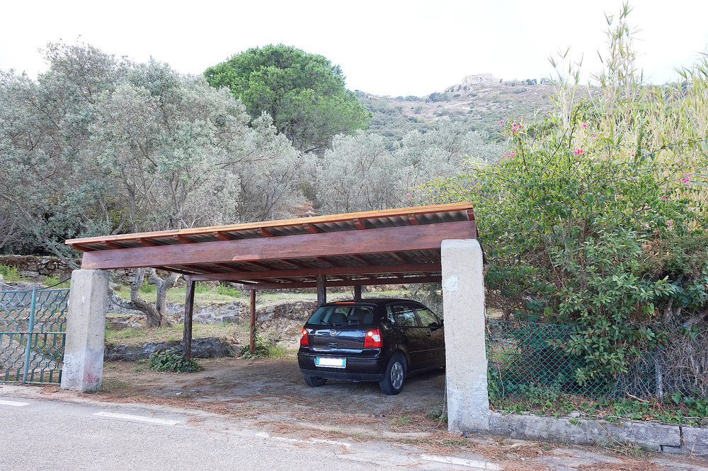 Villa parking