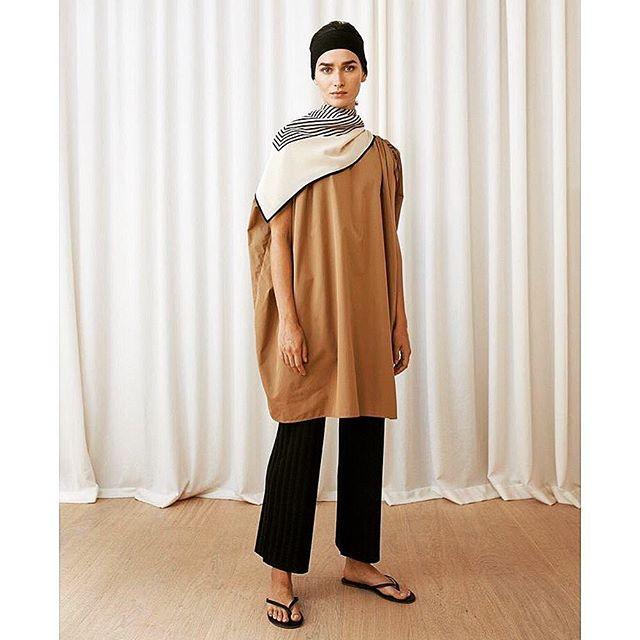 summer lightness: @toteme manta dress in khaki #chalkcurates #sundress #tunic