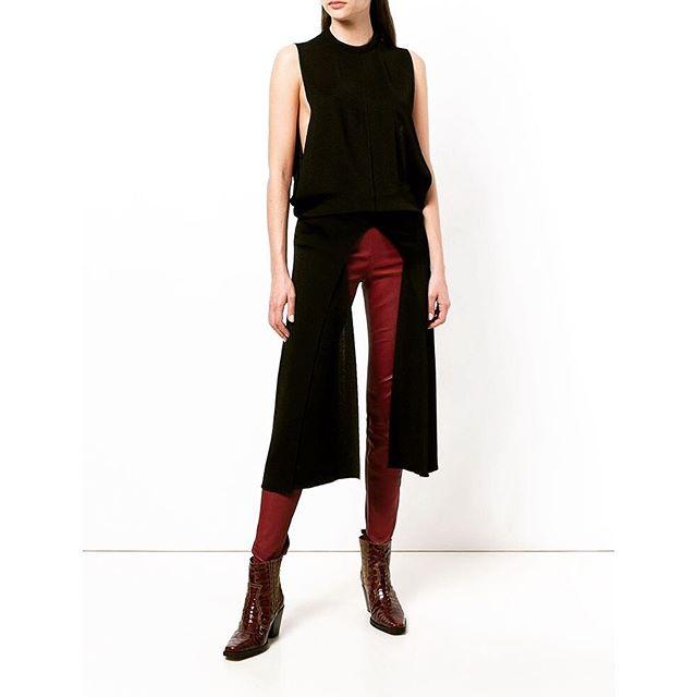 shape shifter: @chloe fluid knit layering top #chalkcurates #chloegirls #blacktop