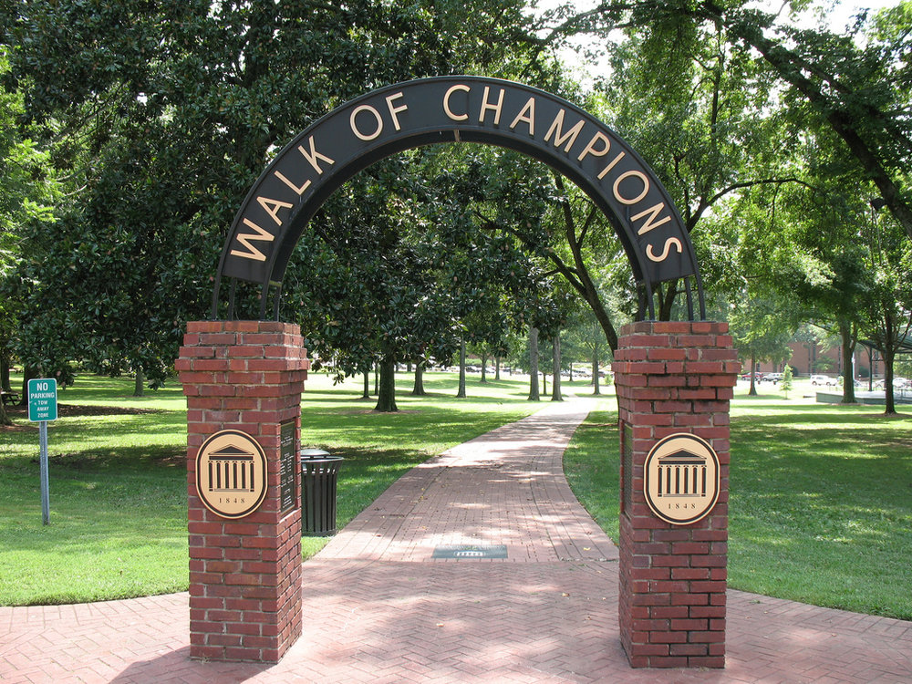 The Grove. Ten acres of oak and magnolia trees in the heart of the Ole Miss campus. I didn't take this pic or the next. Can't you tell?