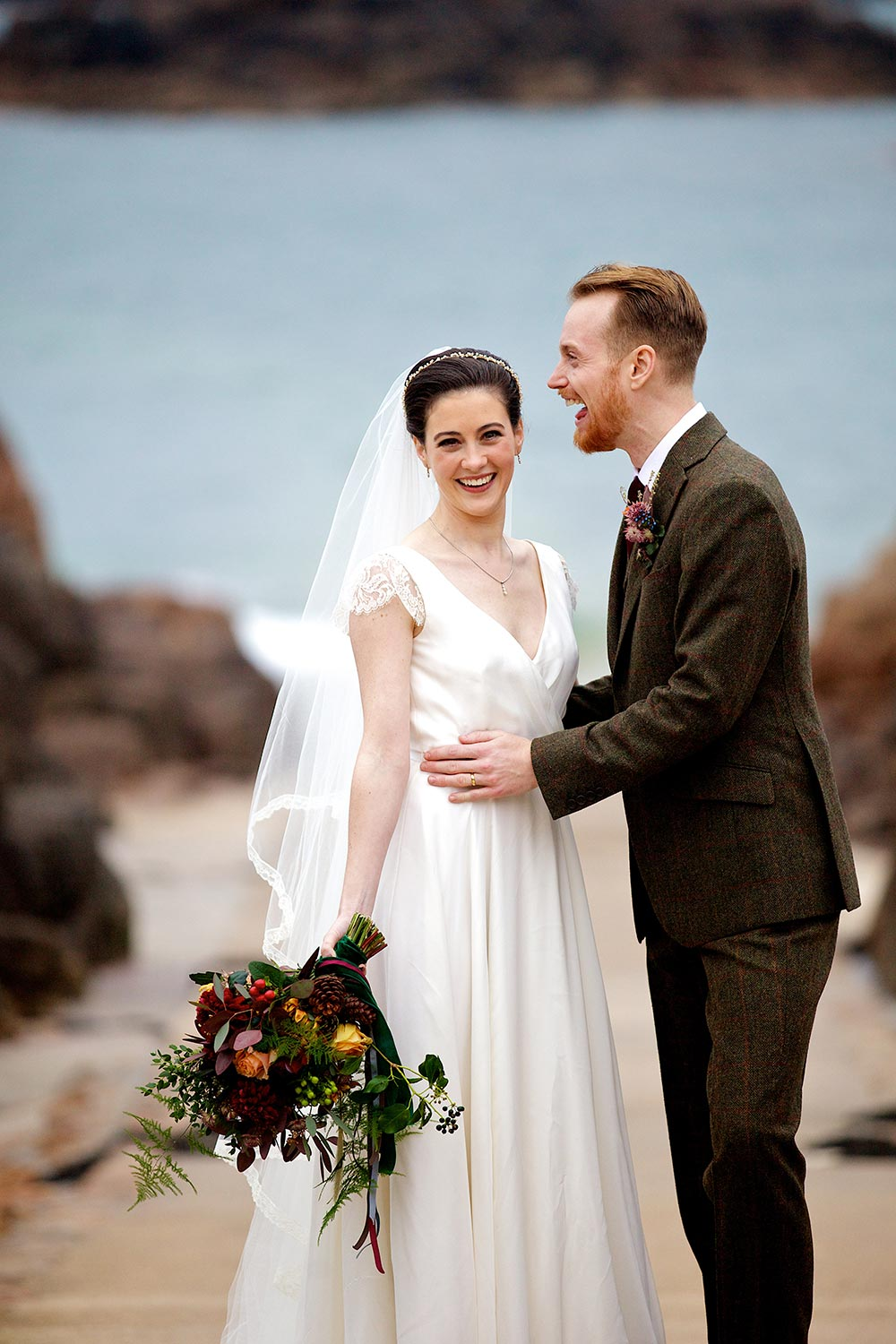 11-wilde-thyme-winter-wedding-bridal-flowers-beach.jpg