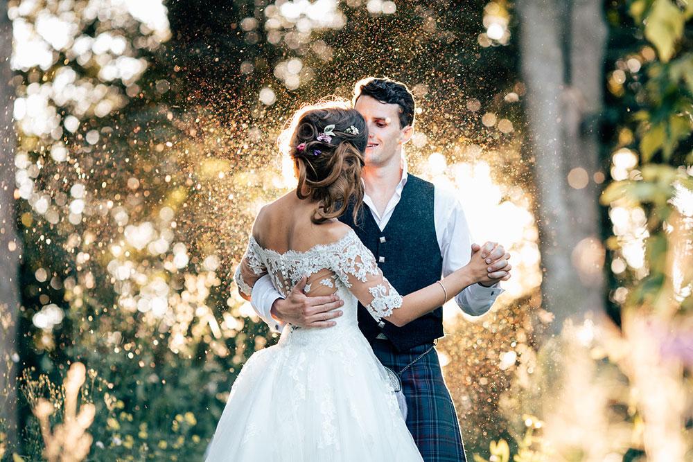 4-wilde-thyme-wedding-bride-groom.jpg