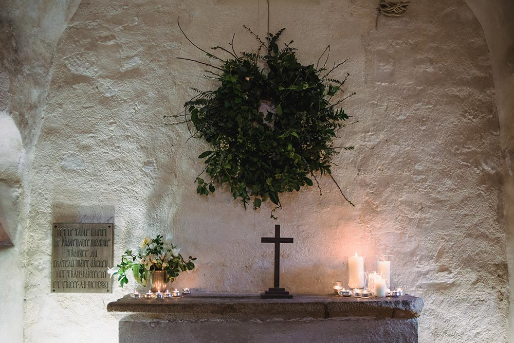 9-wilde-thyme-wedding-florals-la-hougue-bie-jersey-wedding-jersey-heritage-chapel-decor.jpg