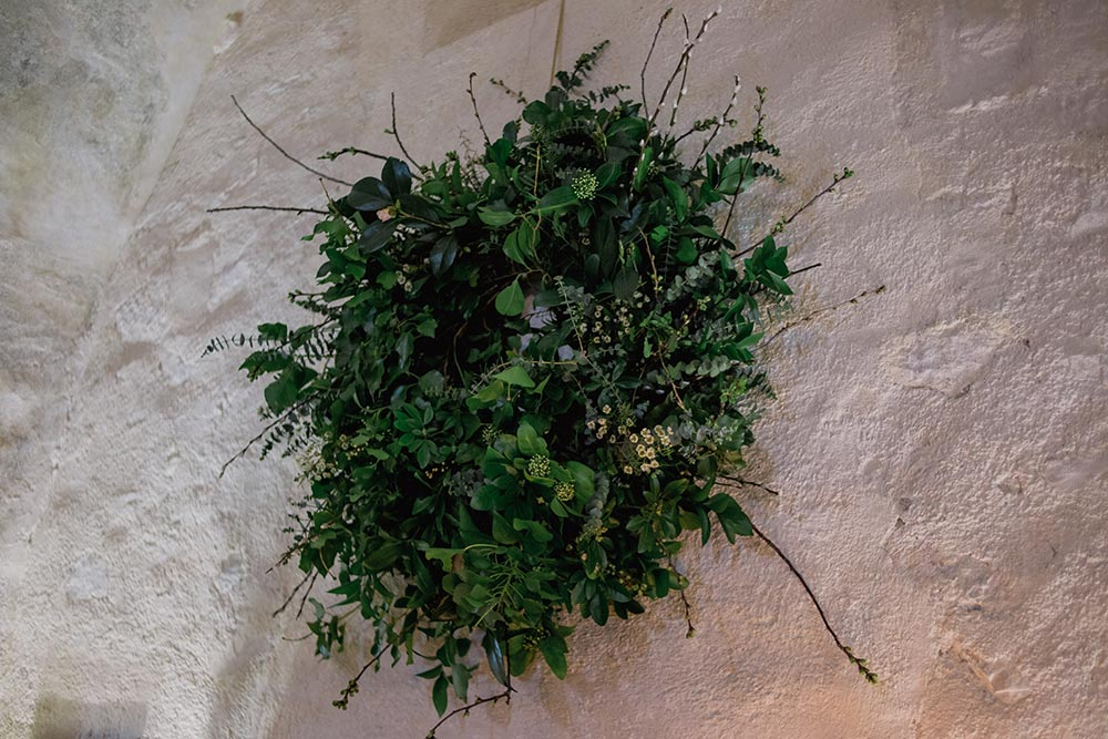 19-wilde-thyme-wedding-decor-giant-wreath.jpg
