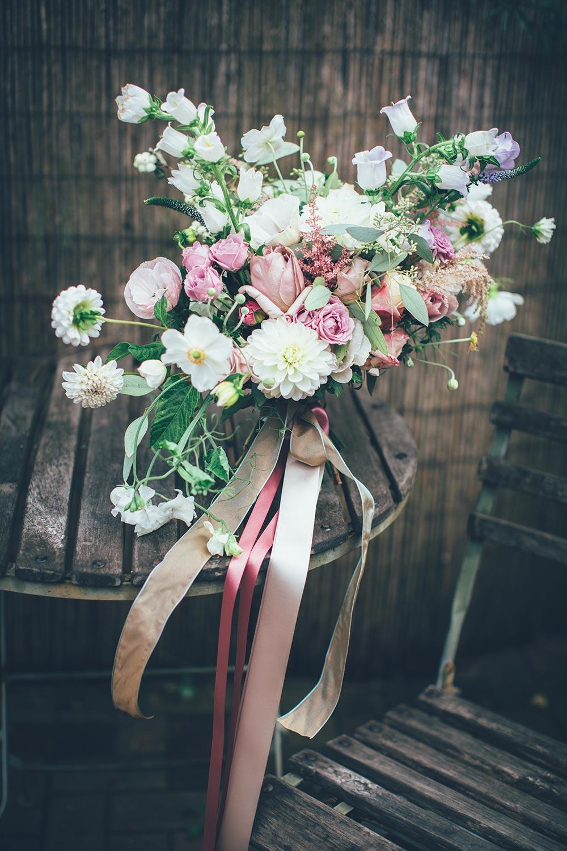 5-wilde-thyme-wedding-flowers-floral-designer-bridal-bouquet.jpg