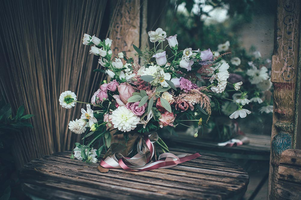 7-wilde-thyme-wedding-flowers-bridal-bouquet-garden-roses-dahlias.jpg