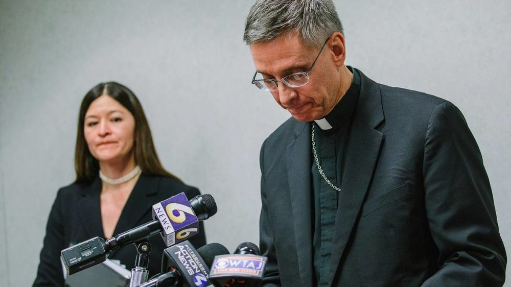 - Altoona-Johnstown diocese confirms it received federal grand jury subpoenasLauren Muthler | October 23, 2018The Altoona-Johnstown diocese, based in Hollidaysburg, confirmed Tuesday that it did receive federal grand jury subpoenas and is cooperating with the investigation.Altoona-Johnstown is the last of the state's eight dioceses to confirm that they've received grand jury subpoenas from the United States Attorney's Office for the Eastern District of Pennsylvania.