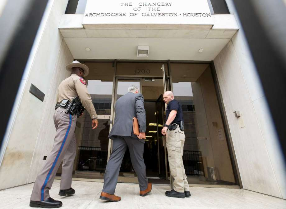 - Authorities search Archdiocese of Galveston-Houston for records relating to accused Conroe priestNicole Hensley & Samantha Ketterer | November 28, 2018Dozens of state and local law enforcement swarmed the Archdiocese of Galveston-Houston's downtown office Wednesday to seize records related to Father Manuel La Rosa-Lopez, the priest accused of sexually abusing at least two children who attended a Conroe church.Montgomery County District Attorney Brett Ligon said the surprise search was aimed at a trove of employment and disciplinary records related to La Rosa-Lopez and his time at the Sacred Heart Catholic Church in Conroe.