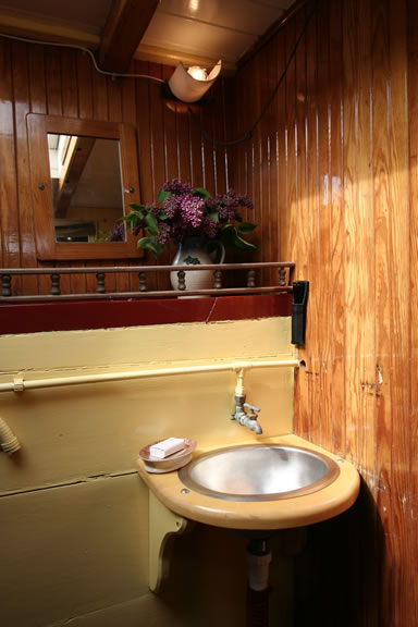 cabin-two-sink.jpg