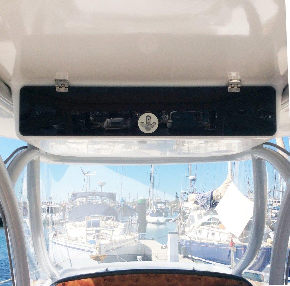 overhead locker cockpit-S (2) RZ.jpg