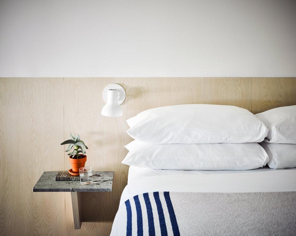 517-LVR_Room16Bed2_68721-02-02.jpg