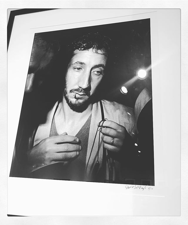 Cool show of many rocknroll & hollywood icons from photographer David McGough at @jamescoxgallery right now. Esp loved this Pete the Christ, like a Renaissance. #petetownshend #woodstock #emptyglass #rockphotography