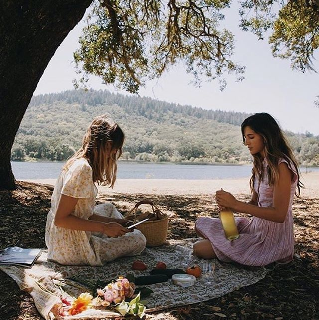This is how I envision my future 🔮 Fresh food, friends who are my sisters, out in our TRUE home, nature. What do you see when you close your eyes and look to the sun?