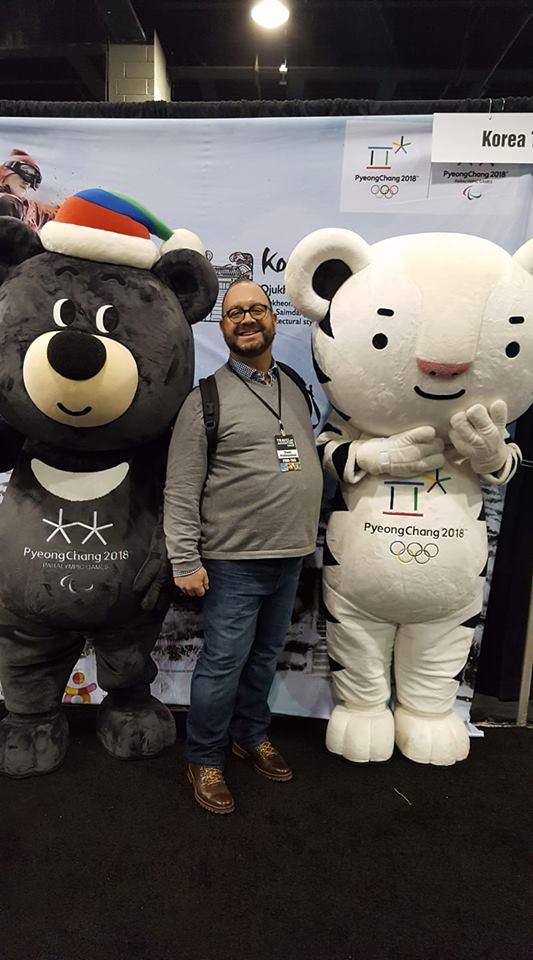 """""""Roaming"""" Rich with Bandabi and Soohorang, the PyeongChang Olympic Mascots!"""
