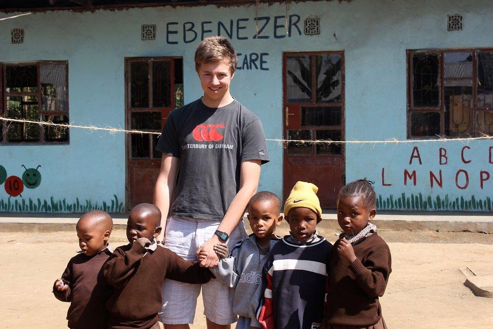 volunteer_tanzania.jpg