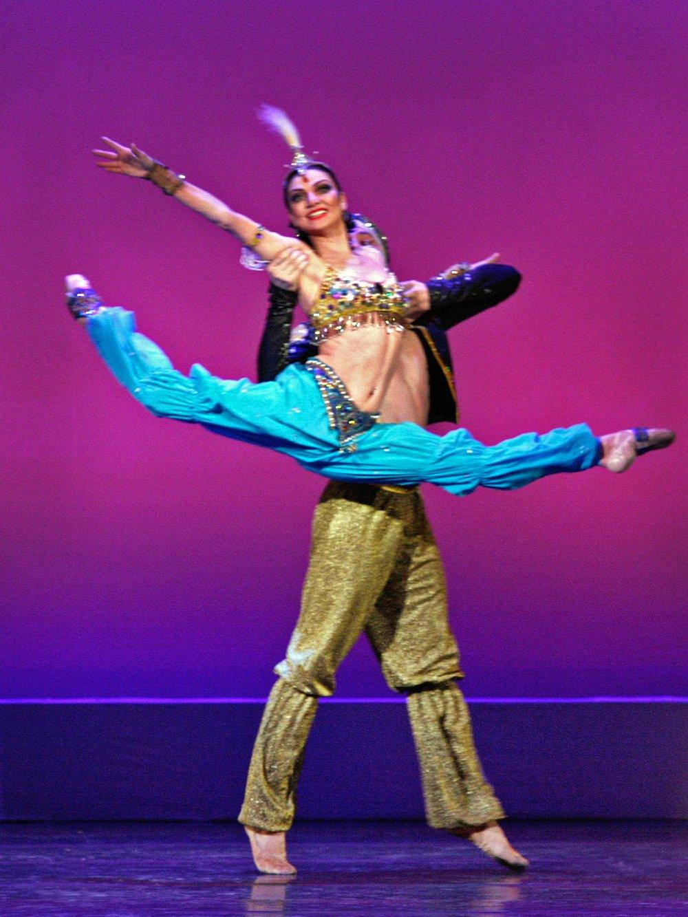 Julia Makhalina, Mariinsky Ballet & Mikhail Venshchikov, Makhailovsky Ballet