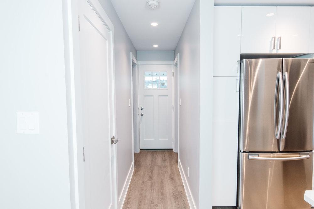 Suite1_Hallway.jpg