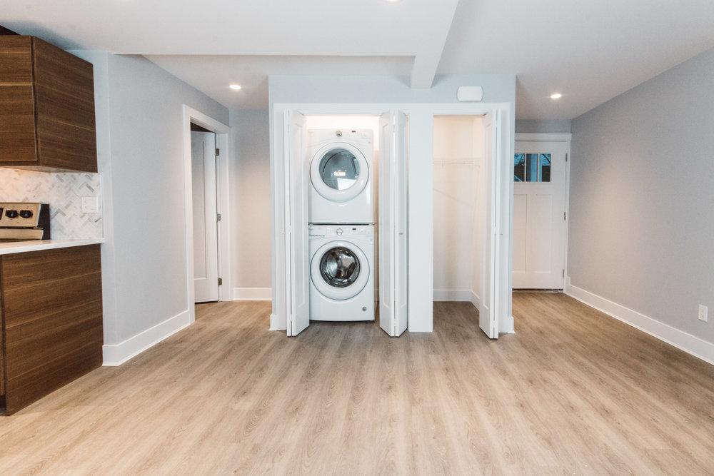 Suite4_LivingRoom-Laundry.jpg