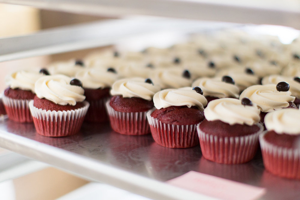 """Amy's cupcake shoppe red velvet mini cupcakes 