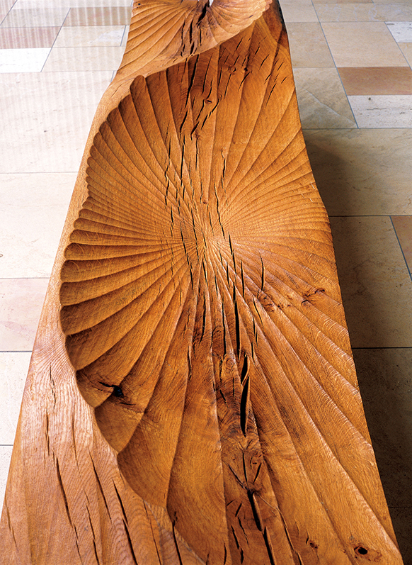 Kissing Bench, detail, (2006) . 3 Pacific Place, Hong Kong. Photo: Jacqui Hurst
