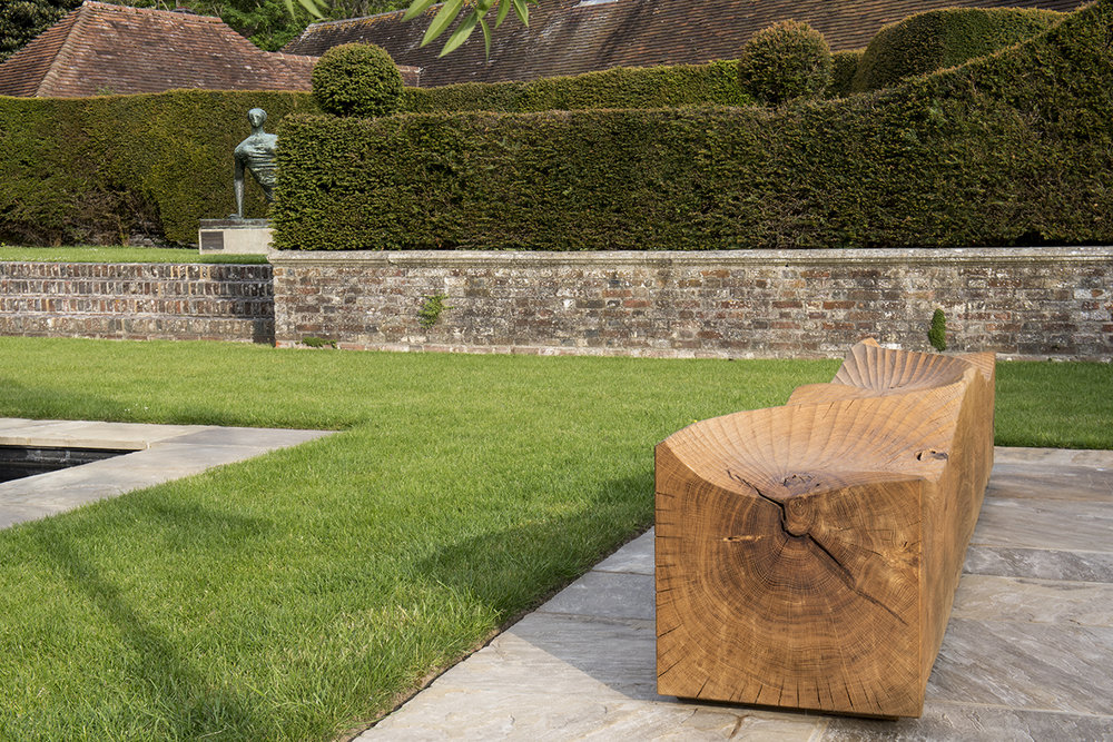 Glyndebourne Kissing Benches (2018).  Photo: Jacqui Hurst