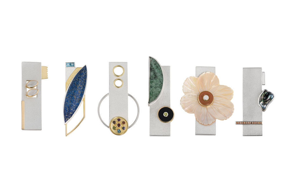 Brooch group Sterling silver, 18kt yellow gold, assorted gemstones 2015