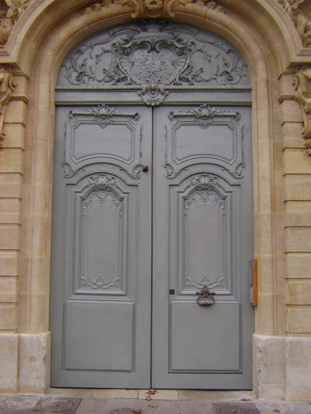 Restoration of 18th century door using linseed paint. Hotel des Gendarmes, VERSAILLES.