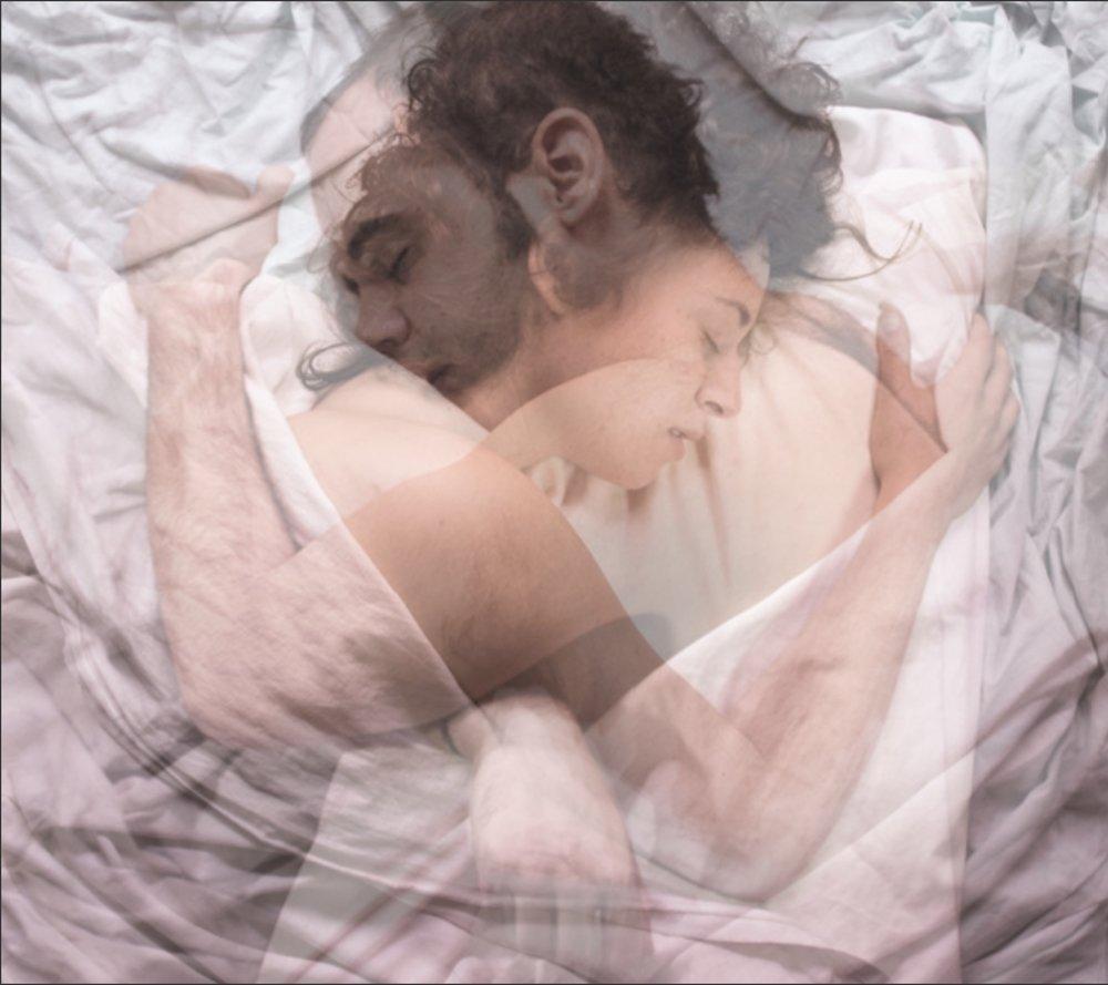 Fotografía de  Marietta . Y, a continuación, lo que imagino para no sentirme solo cuando despierto por las mañanas: