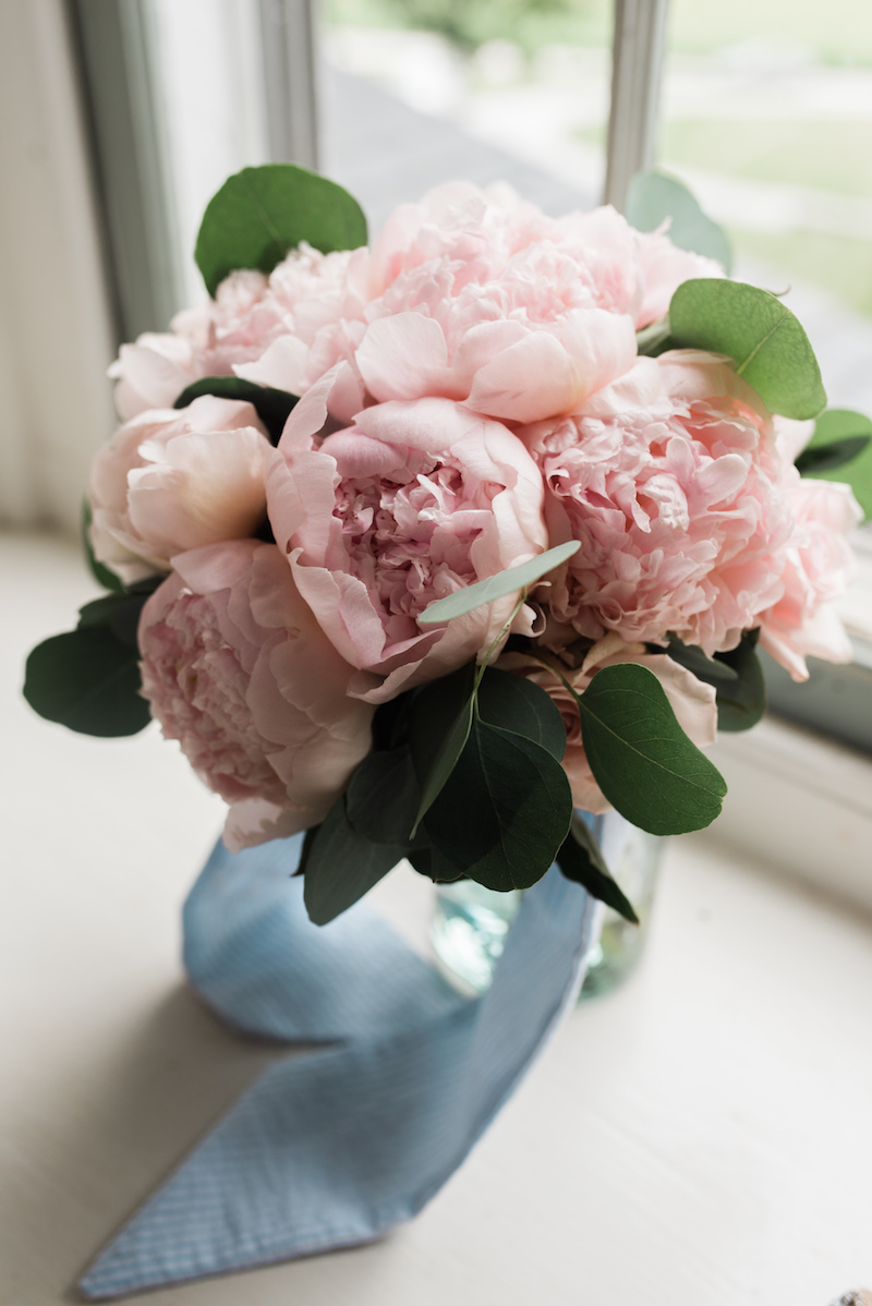 brielle-davis-events-frozen-in-time-photography-springfield-manor-wedding-peony-bouquet.jpg