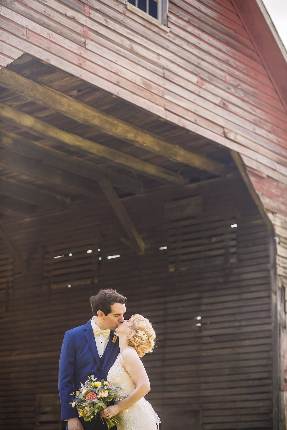 brielle-davis-events-photography-by-brea-linganore-winery-james-sarah-wedding-bride-and-groom-00024.jpg