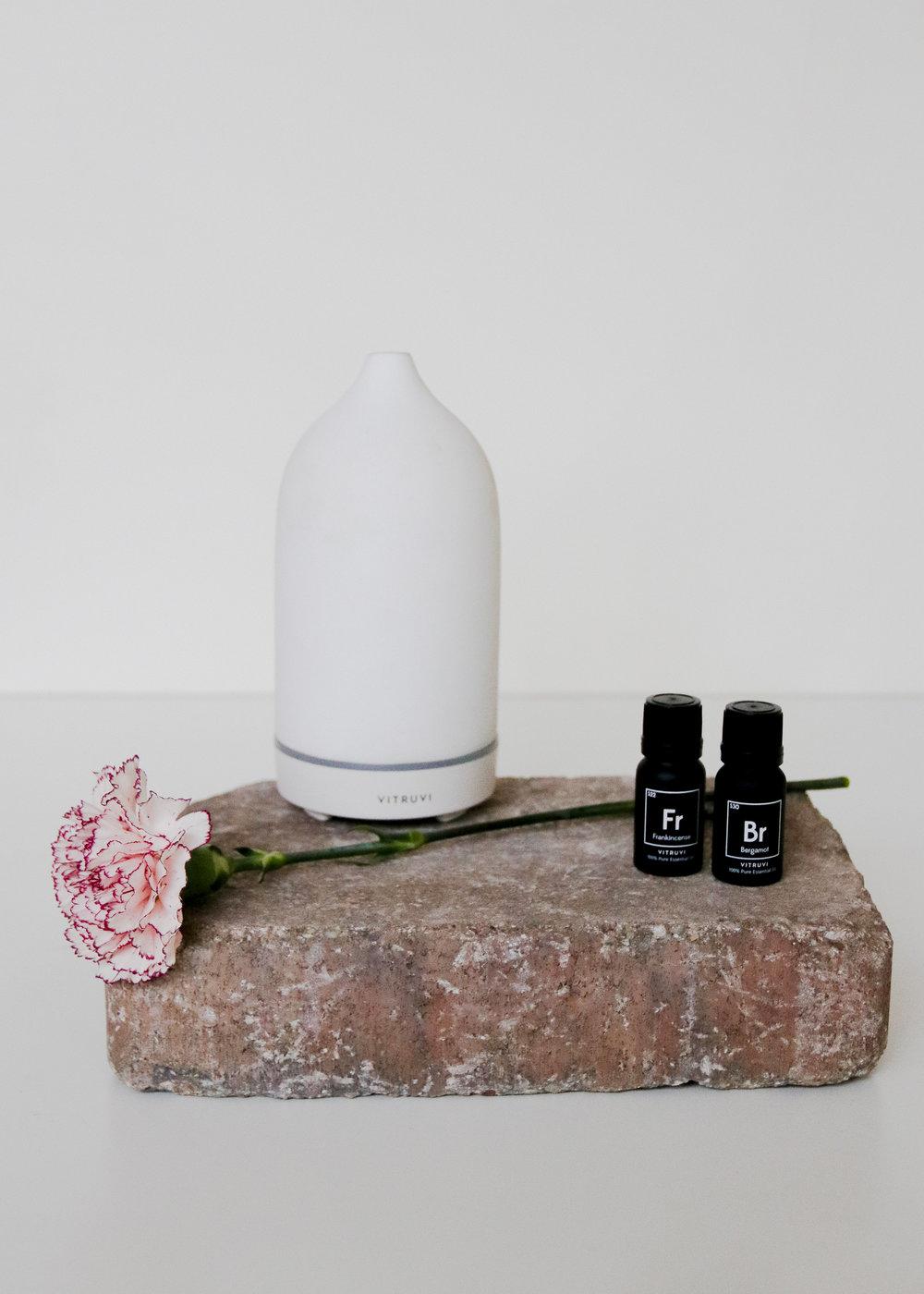 Vitruvi White Stone Diffuser + Essential Oils
