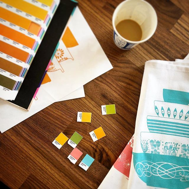 We're about ready to launch a couple of new vintage Pyrex tea towel designs in gold and green! Stressing over Pantones... #vintage #pyrex #pyrexlove #pantone #poconomodern