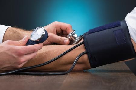 514650669_S_blood_pressure_cuff_doctor_patient.jpg