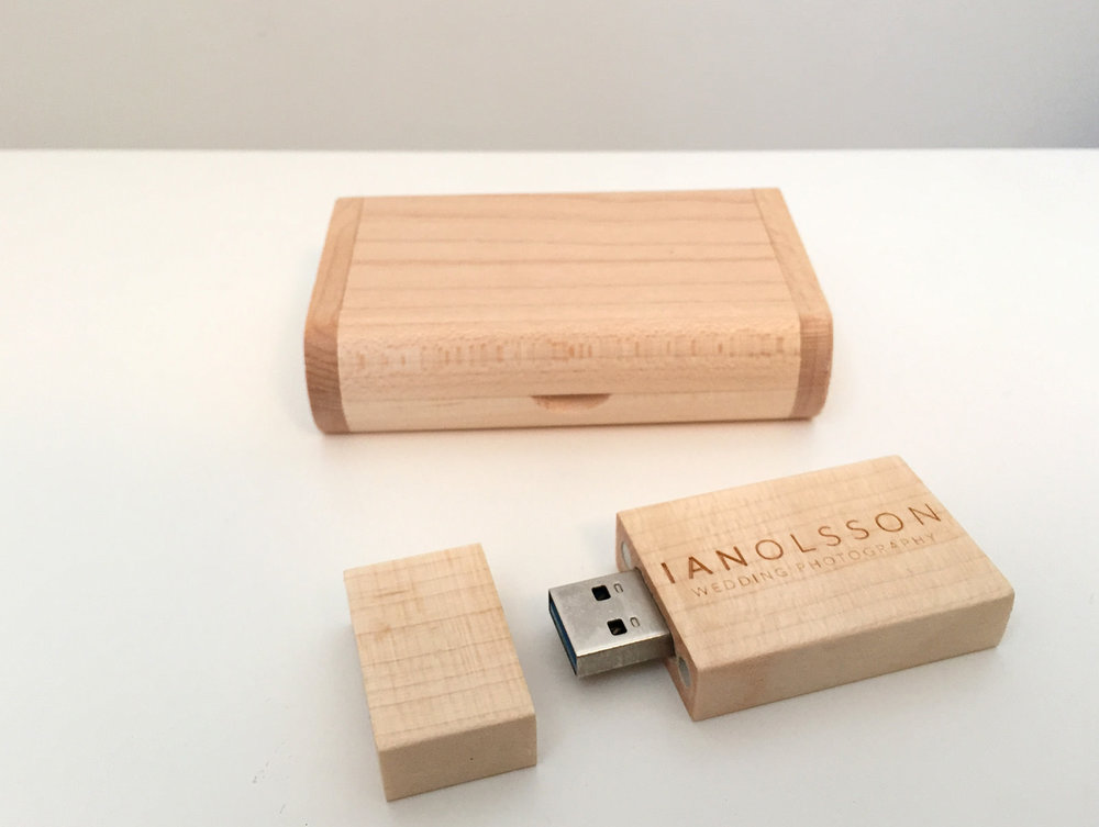 Wedding USB of high resolution photos in presentation wooden box
