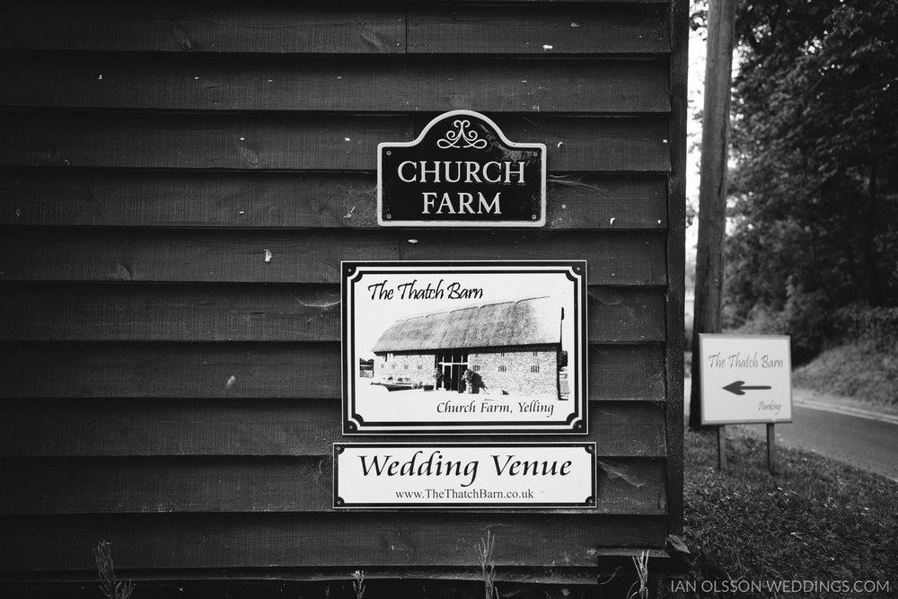 Thatch Barn Yelling Wedding   Photo: https://www.ianolssonweddin